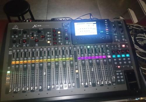 Veranstaltungstechnik_Sound_Light_Hochzeits-DJ_Traktor_1
